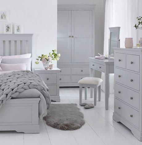 SW bedoom grey